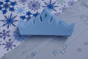Elsa crown favour