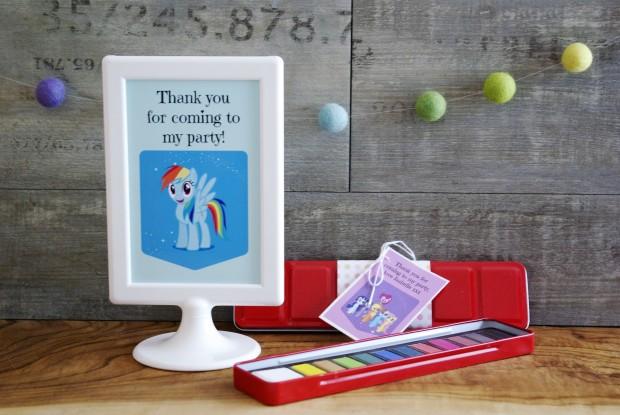 Paint pallet party favour